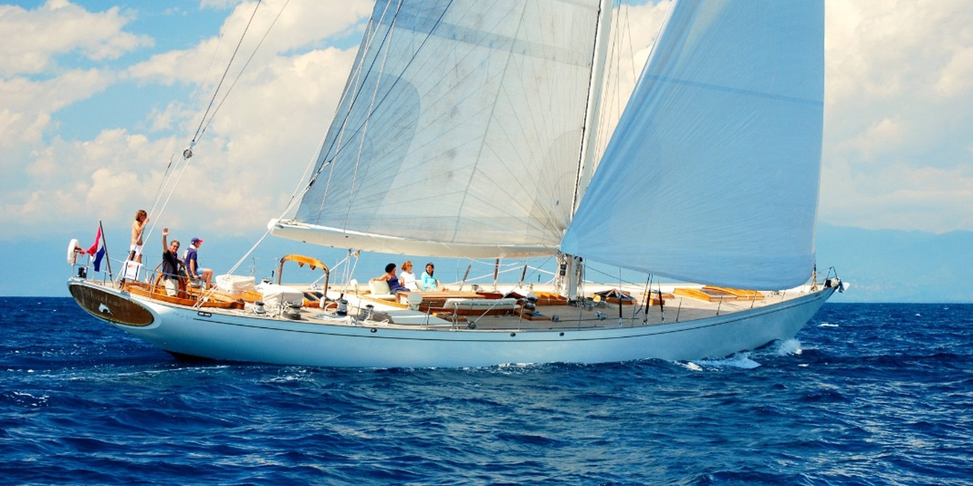Fill The Gaps: Classic Sailing Yacht WHITEFIN Summer 2020
